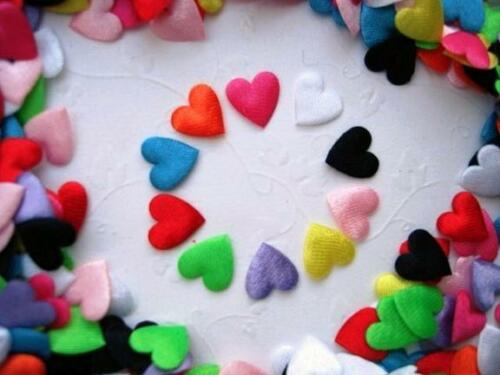 200 Assorted Mini Satin Heart 1cm Applique//cute//10 Colors//sewing//trim//Padded H31