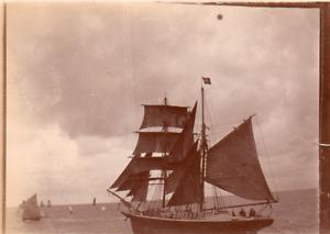 DU870-photo-vintage-Paris-snap-shop-bateau-boat-voilier-sailing-ship