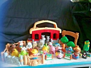 Lot ferme sonore + 17 figurines little people et 13 figurines autres marques