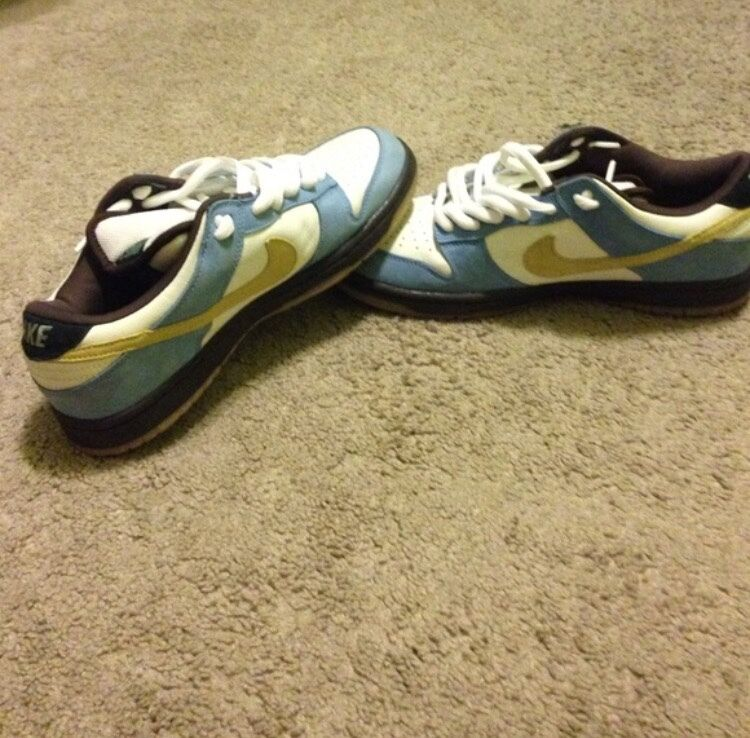 NIKE DUNK SB SIZE 11. VNDS. Only worn once. Yellow and light blue with box Casual wild