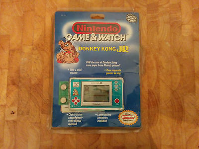 Mega rare!!!! NINTENDO 1982 GAME AND WATCH -DONKEY KONG JR boxed in plastic!!!