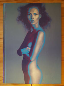 Versace : The Naked and the Dressed: 20 Years of Versace
