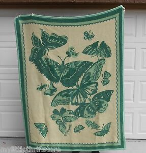 Made-in-Japan-Vintage-Yamaken-Reversible-Blanket-Greens-and-Cream-Butterfly-Prin