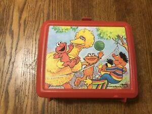 Vintage-Aladdin-Plastic-Lunchbox-Sesame-Street-With-Thermos