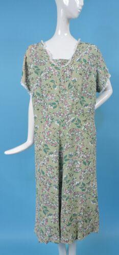 PLUS SIZE 1940'S FLORAL PRINT GREE RAYON DRESS W L