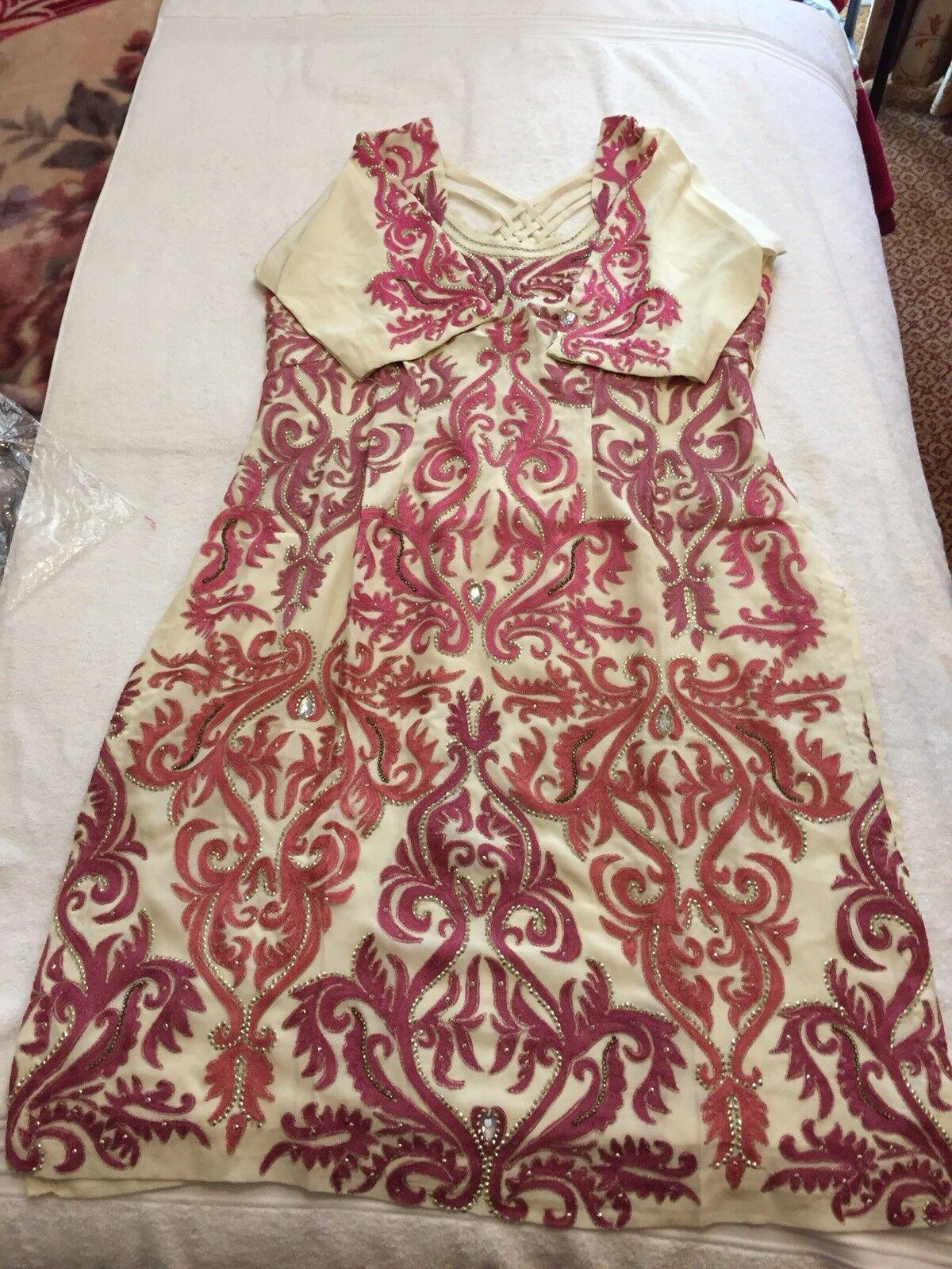 Ladies Punjabi Silk Cream Pink Shalwar Suit Size 16  Brand New