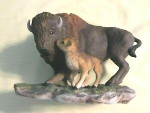 Vintage-HOMCO-Masterpiece-Porcelain-034-AMERICAN-BISON-034-Buffalo-Figurine-1994