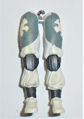 GI Joe body part 2005 Storm Shadow V17 jambes C8.5 très bon état