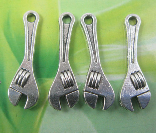 Lot 50//100pcs Retro style lovely wrench alloy charms Pendants 24x7mm