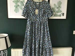 Pretty Tea Dress From Monsoon Size Large Or 16–18 BNWT