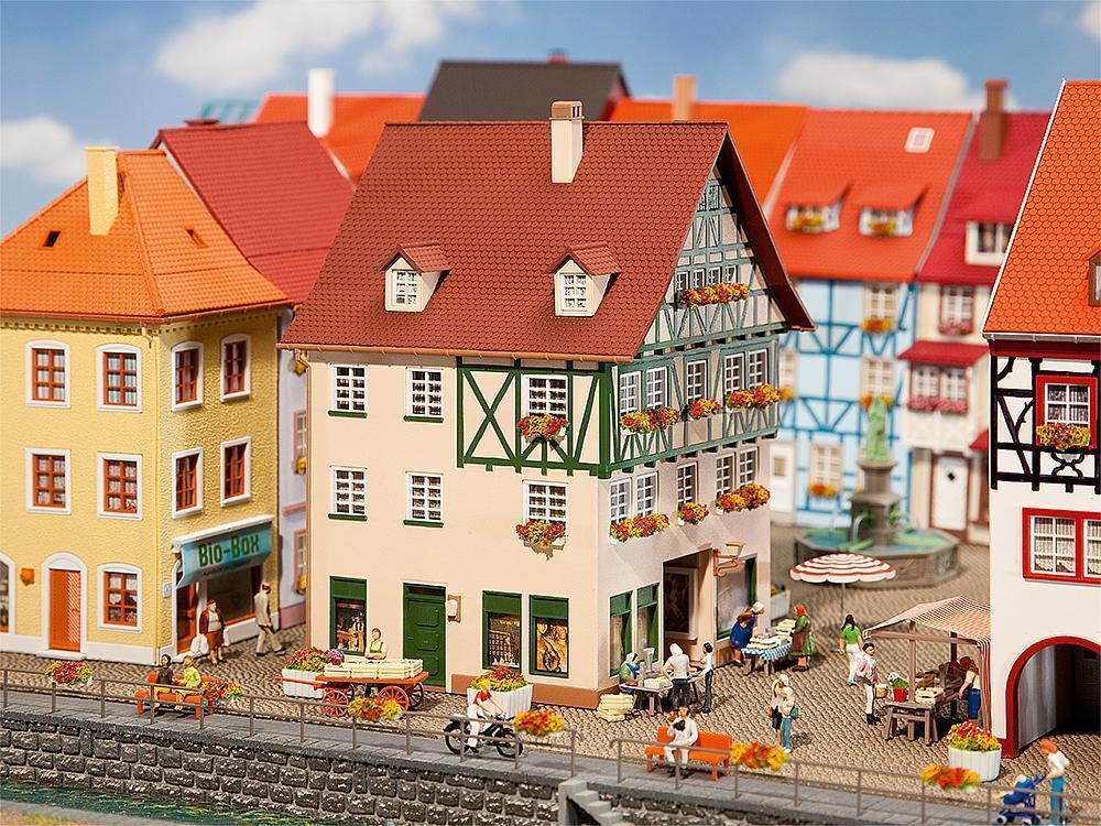Faller 130492, Stadthaus mit mit mit Passage,  neu, OVP, Haus, Kaufhaus    Günstigen Preis  9accdf