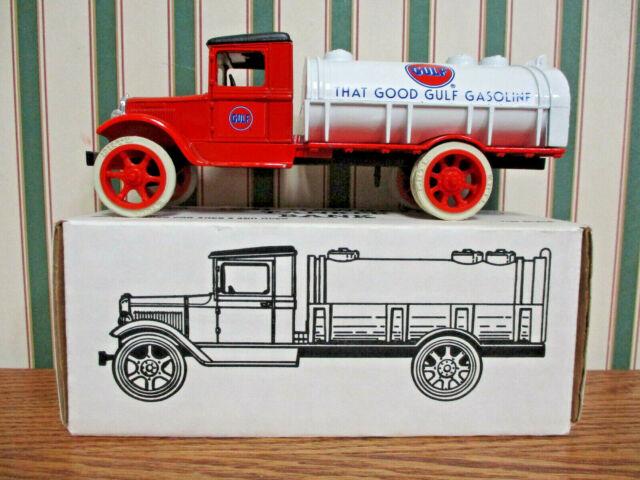 1935 Mack Tanker Locking Bank Die-Cast Model SHELL OIL LOGO