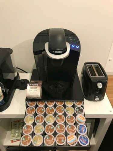 Keurig - K50 K-Cup Pod Coffee Maker - Black - Used - With Stand, filter and Pods