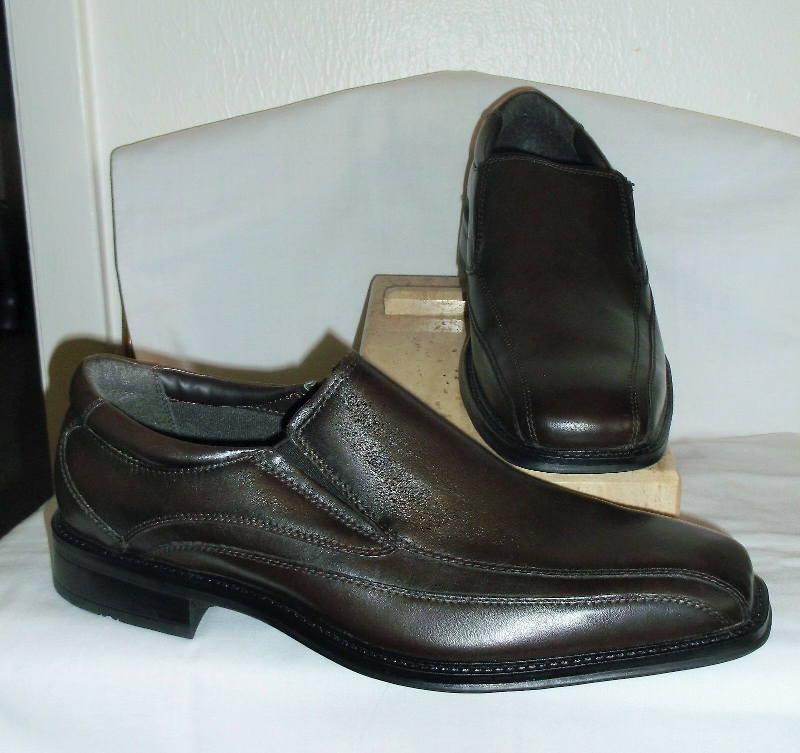 DOCKERS   MENS BROWN LEATHER LOAFERS 11 M