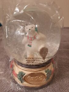 Vintage Discontinued 1994 Coca Cola Musical Polar Bear On Snowshoes