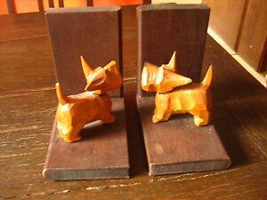 vintage-Buchstuetzen-mit-super-niedlichem-Hund-Terrier-Westie-Holz-geschnitzt