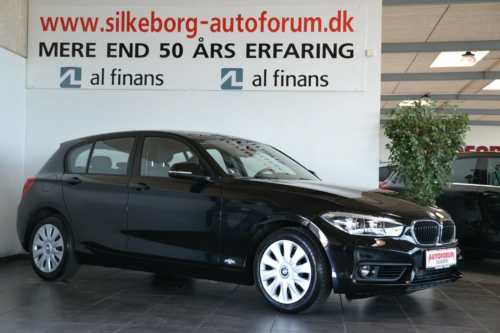 BMW 118d 2,0 aut. 5d - 259.900 kr.