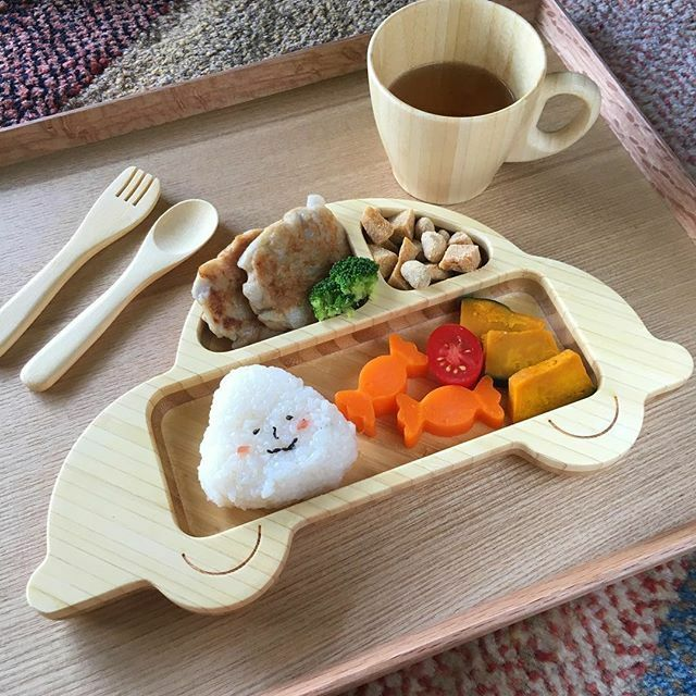 CAR-shaped Plate, Cutleries & One Handed Mug for Babies (Handcrafted in Japan)