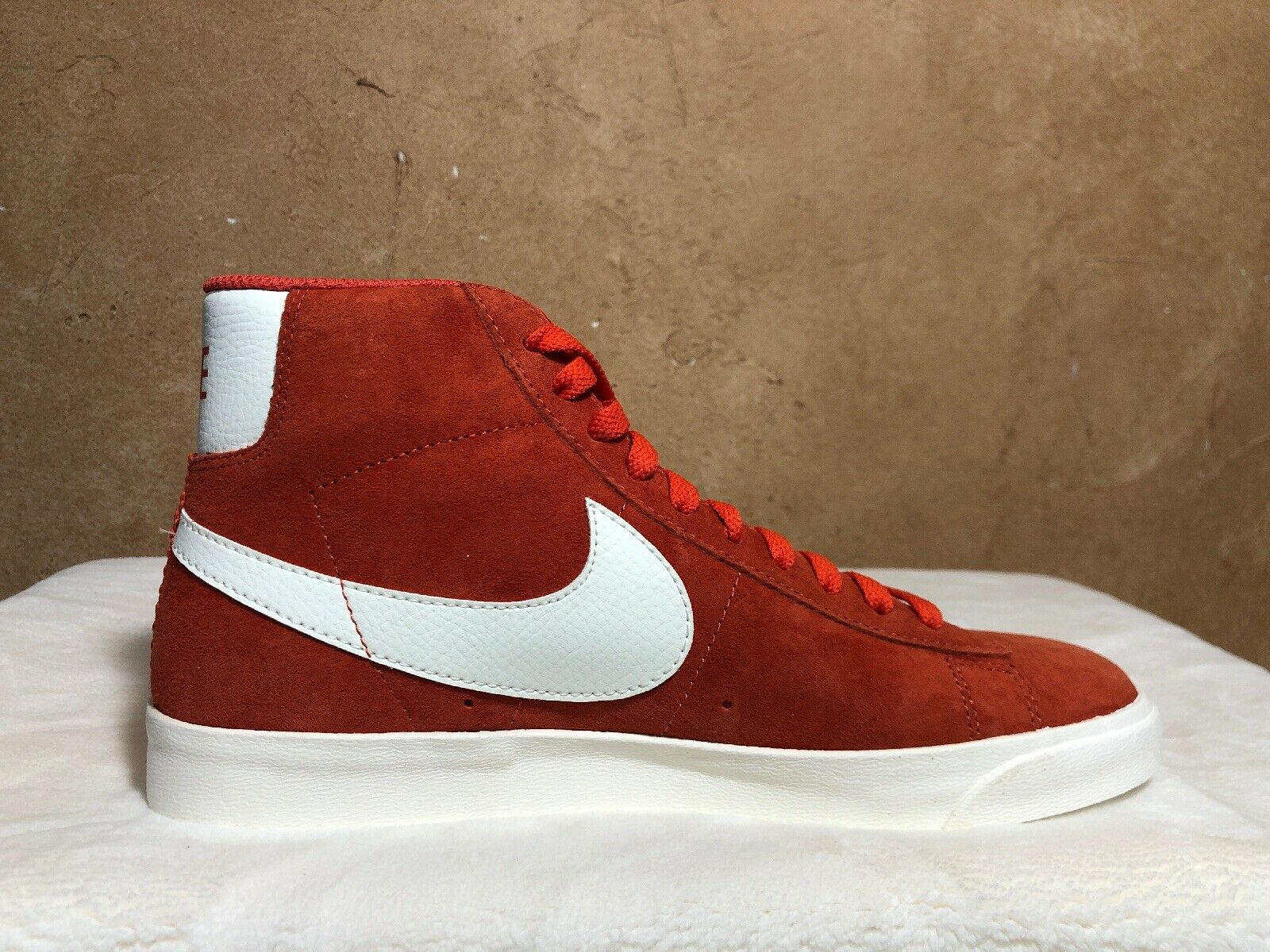 NIKE Womens Blazer Mid Vntg Suede 917862-800 VINTAGE CORAL SAIL-SAIL Size 8.5