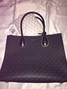 0472ccf5b7 Authentic Michael Kors Handbag Black Brand New Never Used With Tags ...