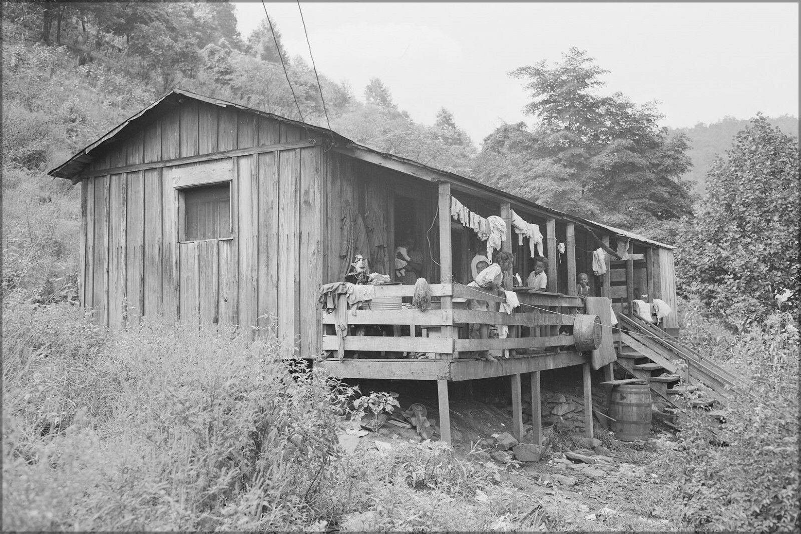 Plakat, Viele Größen; Vier Zimmer House Of Kohle Bergmann mit Zehn Kinder West