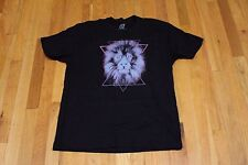 ON CUE APPAREL LION GRAPHIC TEE BLACK SIZE LARGE NEW