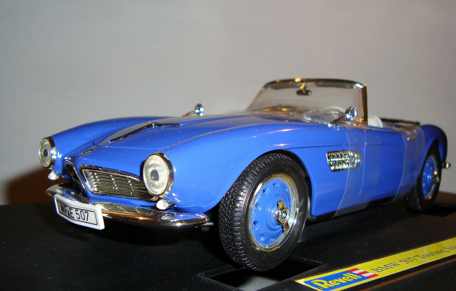 BMW 507 Touring Sport Cabrio 1956 Blau 1 18 DIECAST Model Revell 08810 NEU & OVP