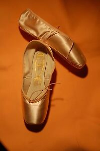 """Custom FREED CLASSIC Pointe Shoes   7   """"BELL""""   DV"""
