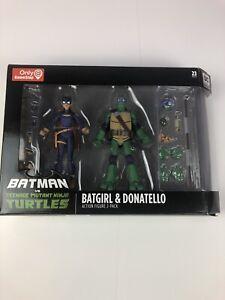 DC-Collectibles-Batman-Vs-Teenage-Mutant-Ninja-Turtles-TMNT-Batgirl-amp-Donatello