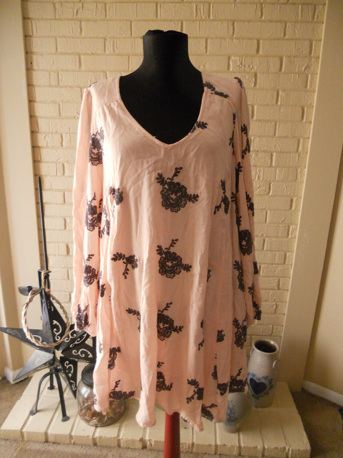 NWT FREE PEOPLE EMMAS LONG SLEEVE MINI DRESS IN SOFT Rosa COMBO Größe MEDIUM