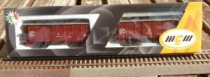 MGM-3036-S-R-L-2-gedeckte-Spitzdachwagen-Gueterwagen-Ghms-FS-Epoche-4-1xmit-Licht