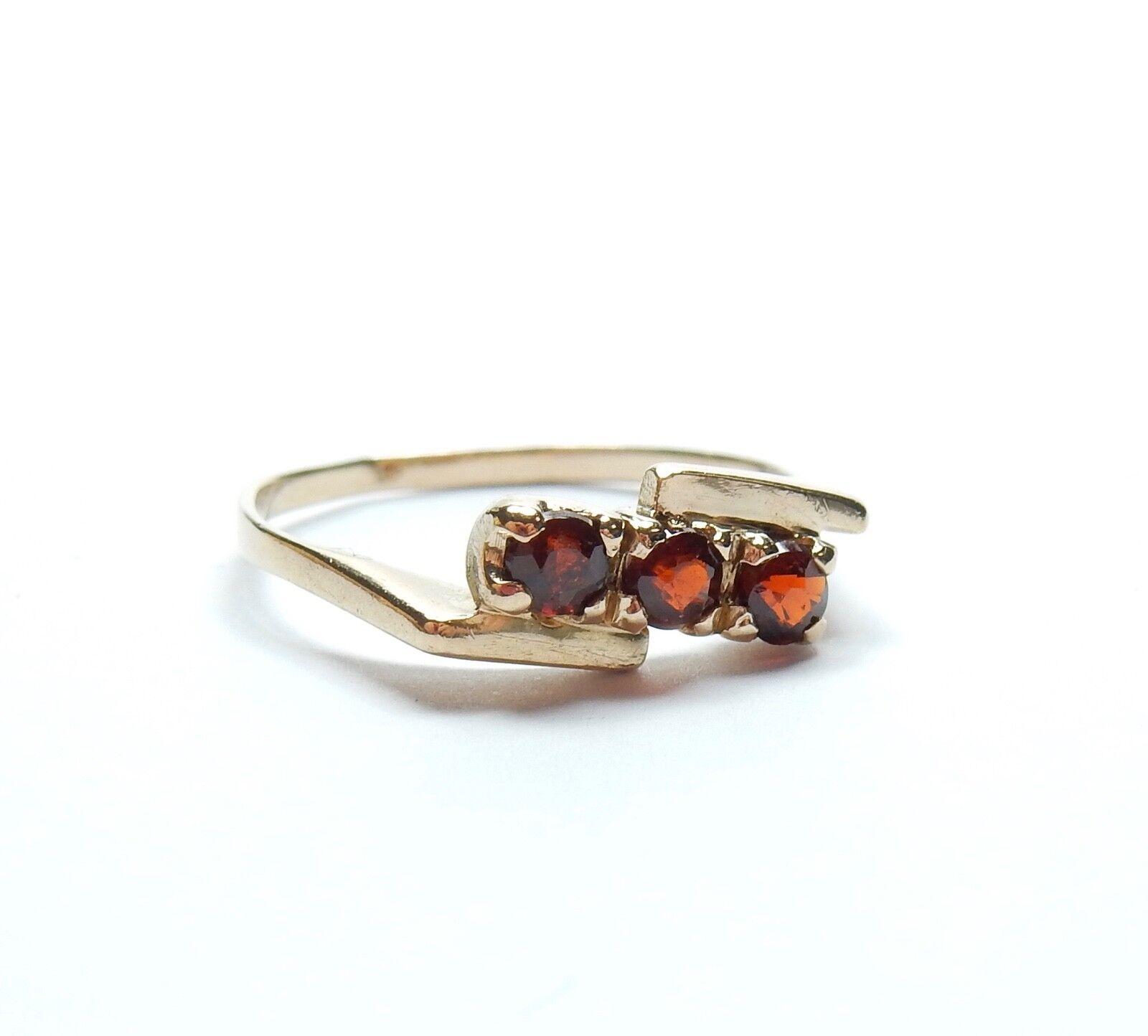VINTAGE Fancy Granato tre pietra anello oro giallo 9 9 9 CARATI LONDRA 1973 HM 1.5g f2b4a8