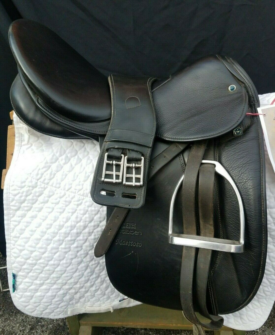 STUBBEN Maestoso Dressage Saddle 18  XW EUC inc.girth pad  irons leathers & cover  with cheap price to get top brand