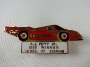 1985-A-J-Foyt-12-Hours-of-Sebring-Winner-Collector-Pin-8-Porsche-962-Swap-Shop