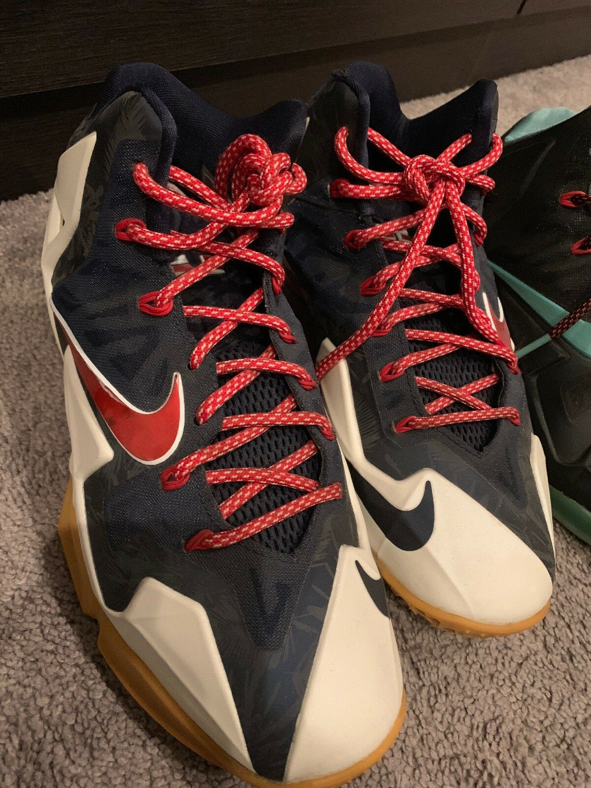 LEBRON 11 Size 9 And 8.5 SOLD AS IS RETRO YEEZY JORDAN KANYE
