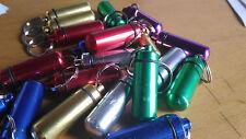 Llavero pastillero con deposito para guardar cosas color pastillas aluminio