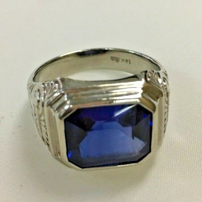 14k White gold Ring with synth Sapphire Stone size 8.5
