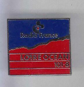 RARE-PINS-PIN-039-S-TV-PRESSE-RADIO-FRANCE-LOCALE-LOIRE-OCEAN-44-7B