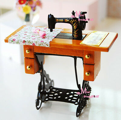 Vintage GRANDMA'S  Sewing Machine Sewing table 1:12 Dollhouse Miniature HS01
