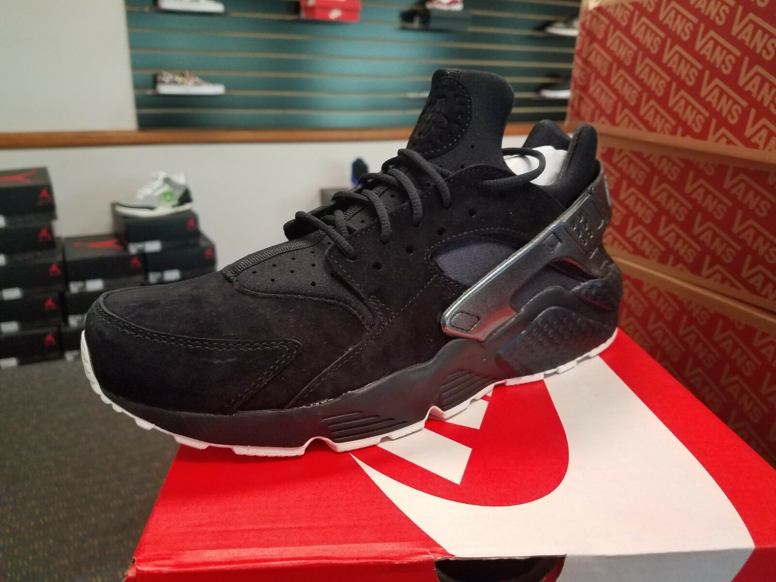 Brand New in Box Men's Nike Air Huarache Run PRM Black Sail 704830-014 Running