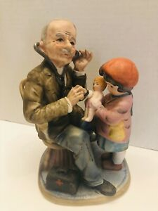 Vintage-1970-s-a-Price-import-Japan-Doctor-And-A-Child-With-Doll-Ceramic-Figure