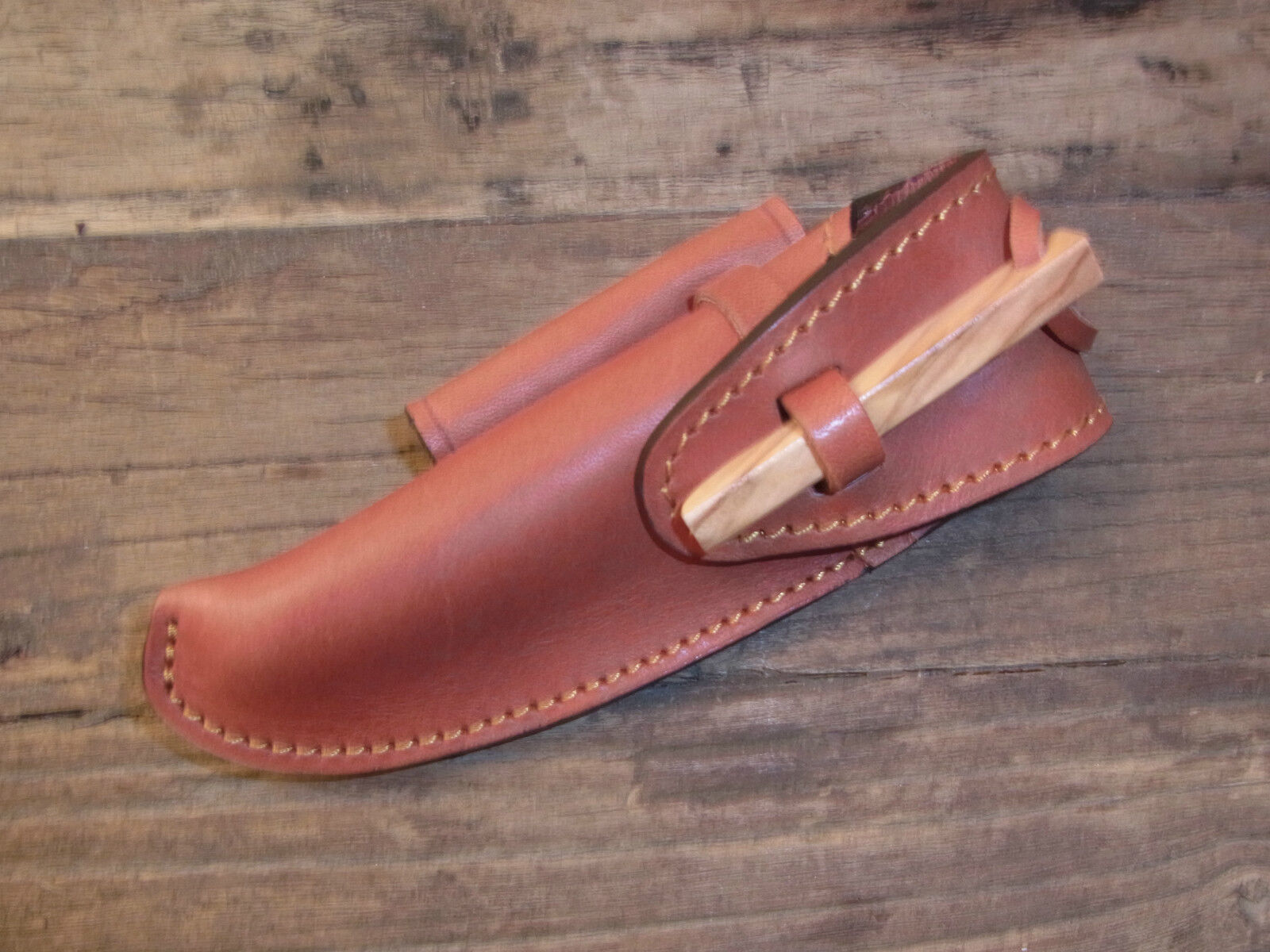 Laguiole Elegant gürtellederholster  Model Trappeur Max CAPDEBARTHES Brown Maya  order now with big discount & free delivery