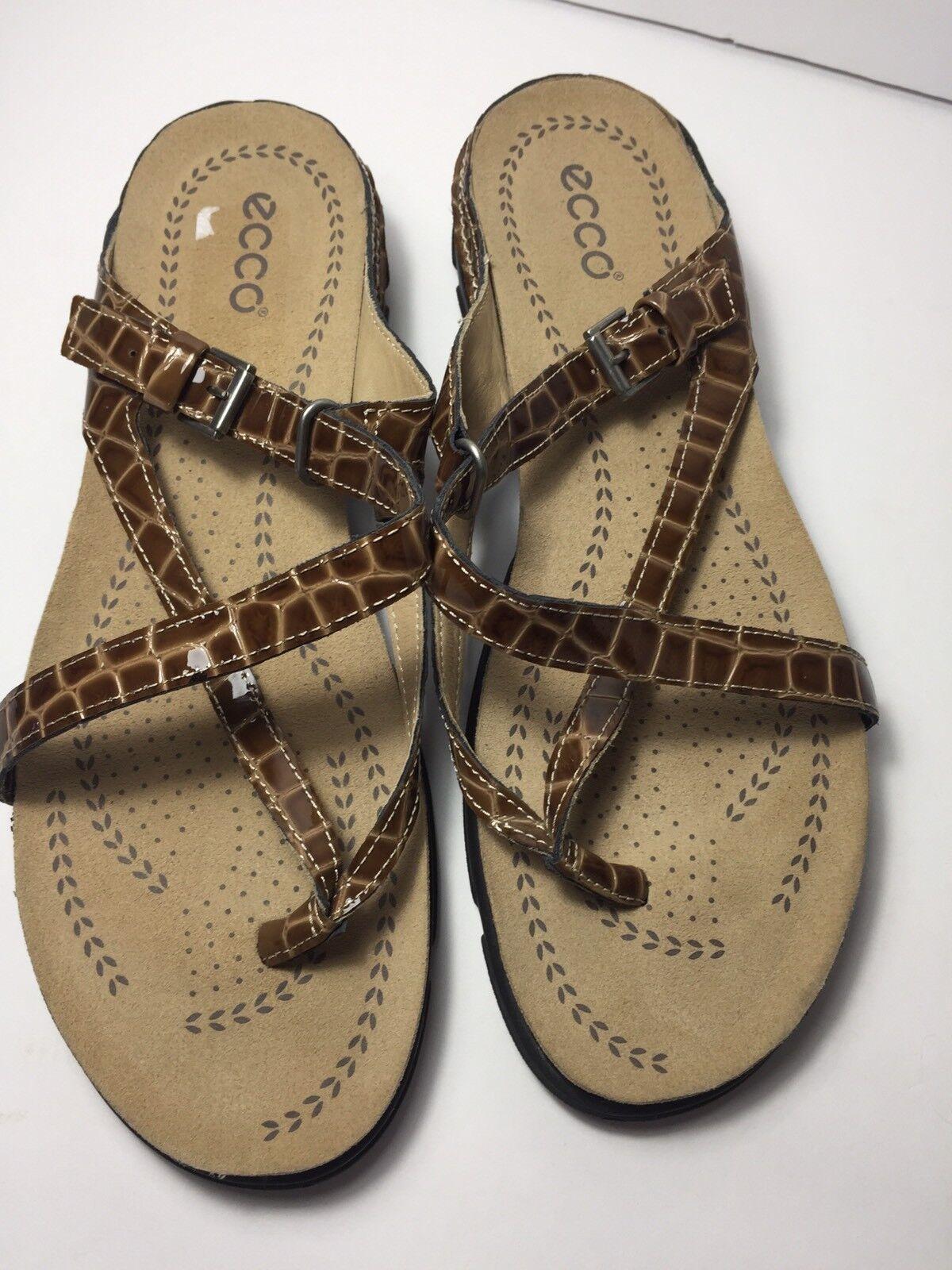 NEU ECCO Living Patent Leder Croc Strappy Thong Sandales- Braun- Größe 10