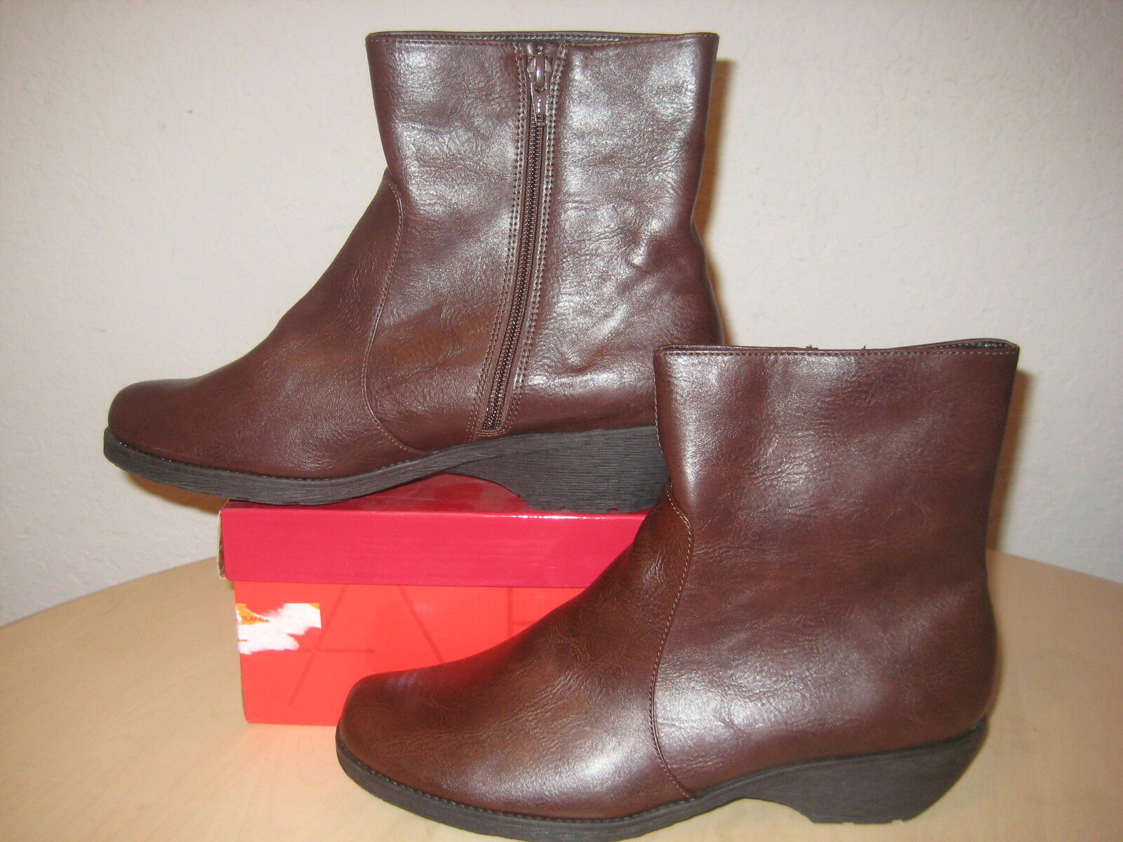 Aerosoles Size 10 M SPEARTINT Dark Brown Ankle Boots Womens New shoes