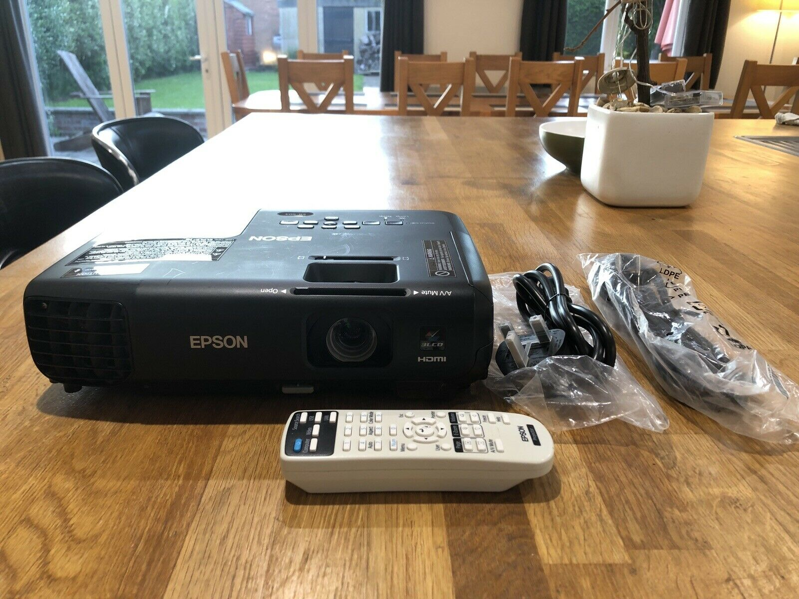 Epson EB-S03 Home Projector HDMI with Remote, Cables, Only 31 Lamp Hours Used