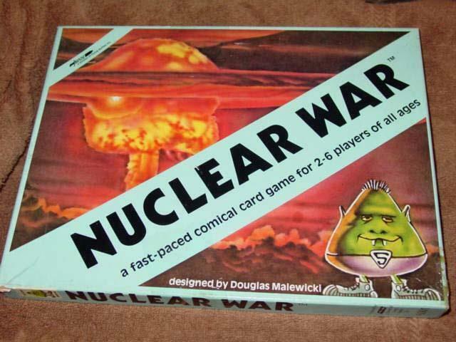 La guerra nuclear de la vaca voladora, el ritmo rápido, el juego de Cyetas cómicas.