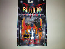 BATMAN BEYOND SURFACE-TO-AIR FIGURE (IN EUROPE CARD)HASBRO LOOSE USED DISPAYED 1