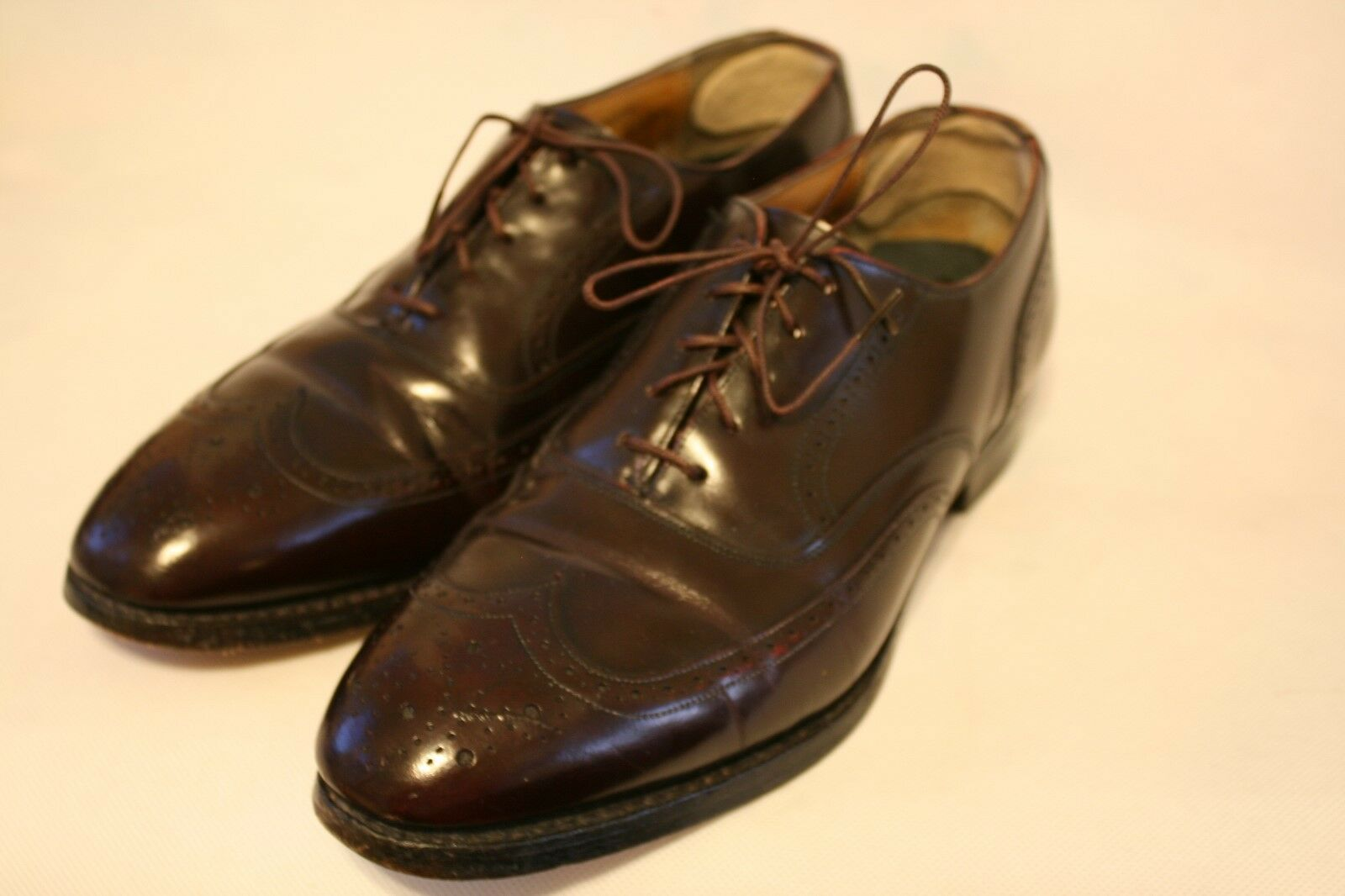 Men's Stafford Burgundy Leather Lace-Up Wing Tips Dress Shoes Size 8 D/B 89740