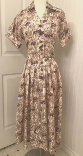 Vintage 1950's print day dress, glass buttons, pur