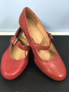 K CLARKS WIDE FIT RED LEATHER MARY JANE